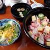 鮨処 濱蝶 - 料理写真:いろいろちらし(1100円)