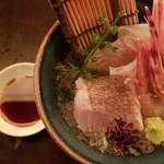 HAJIME - お造り(平目昆布〆・真鯛・ボタン海老刺)
