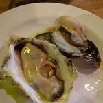 バナナウィンズ - 料理写真:生牡蠣