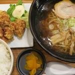 いちげん - 醤油ラーメンとから揚げ定食(ご飯大盛)