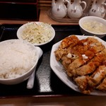 横浜大唐 - 料理写真:鶏のサクサク揚げ定食(734円)