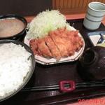 とんかつ 三太 - ロースかつ定食 1350円