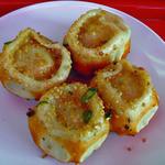 弄堂生煎饅頭 - 4個380円の焼き小龍包 本場台湾の味、、、らしいです(笑 結構美味しい♪