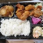 せいはん - 料理写真:からあげ弁当¥560