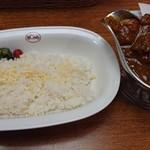 Bondy - チキンカレー(中辛)。