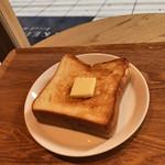 ブレッド&コーヒー イケダヤマ - モーニングセット パンドミのトースト