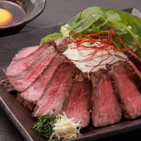 一龍 - 【絶品 黒毛和牛!】和牛レアステーキ  卵黄とユッケダレでお召し上がり下さい。