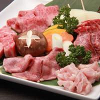 一龍 - 一龍特撰5種盛り(上ロース・上カルビ・黒毛和牛ハラミ・上塩タン・上ミノ・焼き野菜)