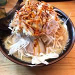 麺屋 祐 - 料理写真:味噌らーめん+中盛り+もやし+辛味ネギ