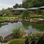 庭園の宿 石亭 -