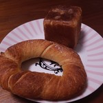 116158657 - ブレスレット、クリームパン