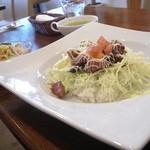 びぃcafe - 料理写真:テリヤキ丼(700円) カレーと迷ったが。。 スープ・サラダも付きます。