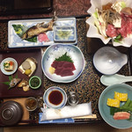 桟温泉旅館 - 料理写真:最初の膳の状態