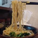 大岡家 - ラーメン並690円麺アップ