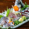 ささづか酒場 はだか電球 - 料理写真:関港直送 鮮魚刺身盛合せ