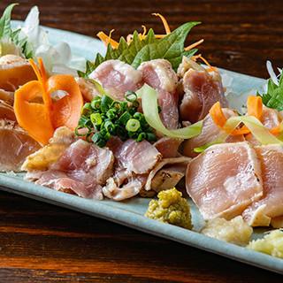 大分県のたまり醤油で味わう、新鮮な魚介と鶏肉のお刺身が自慢!