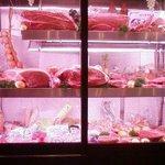 板前焼肉 一斗  - お肉のガラスケース