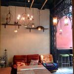 チャムアパートメント - アンティークな家具たち