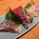 宮崎幸男 - お造り三種盛り(1500円×2人前)(右からこち、まぐろ、しめ鯖)