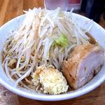 デカ盛り戦隊 豚レンジャー - 料理写真:ラーメン(並) 760円