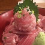 116205004 - 鮪丼(アップ)