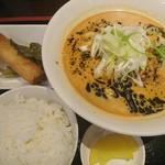 都来 - 焦がしマー油の担々麺セット880円