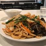 ヤンヤン - むっちり麺