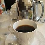 116215961 - ホットコーヒー ポットで出されます。2杯半ありました~♪