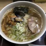 116216401 - 魚醤ラーメン こってり味 大 細麺