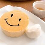 ビストロ アスリート with カムラッド - キッズパンケーキ(お好きなアイスのせ)