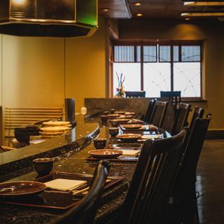 [カウンターは特等席]揚げたて天ぷらを堪能できる大人の空間