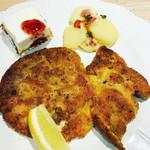 ティティカフェ - 料理写真:ドイツプレート 好評です! シュニッツェル ドイツ風ポテトサラダ レアチーズケーキ