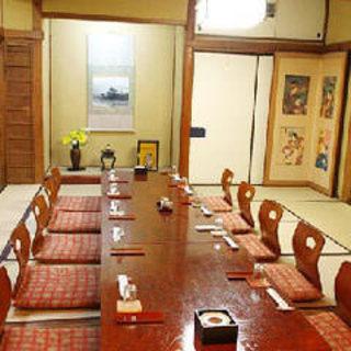 個室には寛げるお座敷をご用意◎ご宴会や会合、接待に最適です