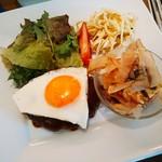 オアシス - ハンバーグ サラダ 小鉢