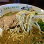 ぶぃスリー - ストレートの細麺