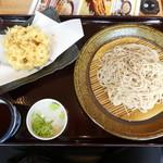 十割そば会  - 料理写真:麓上舞茸かき揚げそば698円(税別)♪