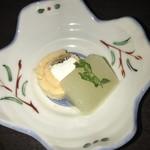 眺河 先斗町~華~ - 洋梨、焙じ茶ロール