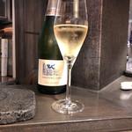 116240748 - グラスのスパークリング