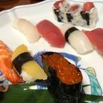 仁寿司 - 料理写真:桜にぎり