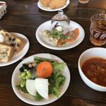 ぱぱばーぐまますいーつ - スープ、サラダ、シフォンケーキ、ライス、パンはブュッフェスタイルヽ(´▽`)/