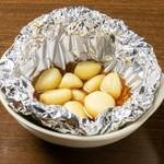 鶏ダイヤモンド - ニンニクホイル焼き