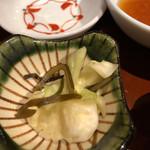 藁焼きと茶碗蒸し 西新橋魚金 - お新香