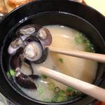 藁焼きと茶碗蒸し 西新橋魚金 - 蜆味噌汁