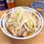 ラーメン二郎 - ラーメン麺半分700円