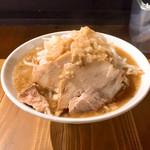 ラーメン豚珍 - 麺なしラーメンミニ680円 背脂マシ