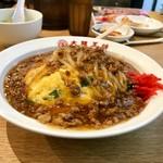 116268802 - 肉あんかけニラ玉炒飯(炒飯大盛り)ポスターの写真と同じかな?
