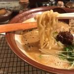 ABCらーめん - 太い縮れ麺