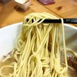 ユナイテッド ヌードル アメノオト - 鶏そば 麺リフトアップ