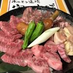 ホルモン道場 寄り本舗 - お得な焼肉セット ¥1980