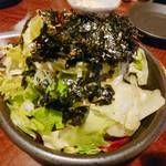 116296878 - 韓国海苔たっぷりのチョレギサラダ